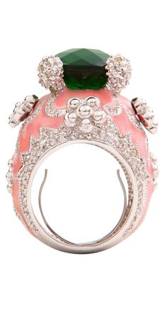 Love this cocktail ring !!