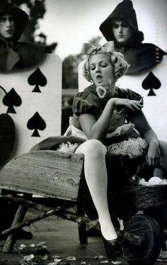 Drew Barrymore through the eyes of Mark Seliger. ☀