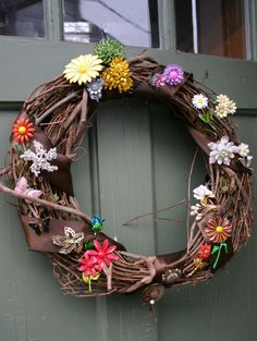 Wreath with brooches as decoration