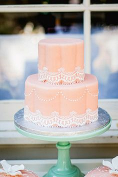 Peach cake with mint cake stand | California Wedding | Kim James Photo