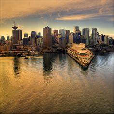 Vancouver skyline - (www.canadianwebhosting.com)