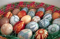 Natural Dye Coloured Easter Eggs