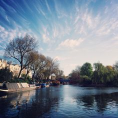 Vivid blue skies over the water in Little Venice this morning 10°C I 50°F #BurberryWeather