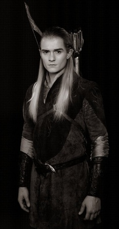Orlando Bloom as Legolas Greenleaf in 'Lord of the Rings'. S)