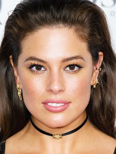 The 4 Drugstore Product That Gave Ashley Graham Glowy Skin at theVMAs