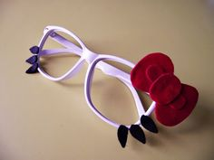 hello kitty shades (: