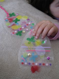 Easter Craft.  Good for toddlers too!