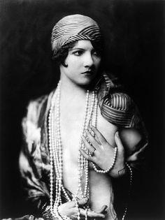 Jean Ackerman, Ziegfeld girl, by Alfred Cheney Johnston, ca. 1929