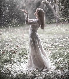 Female character inspiration. Snow. White dress.
