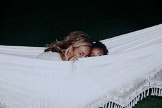 Beyoncé playing peekaboo with Blue