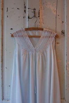 vintage 1980s sleepwear