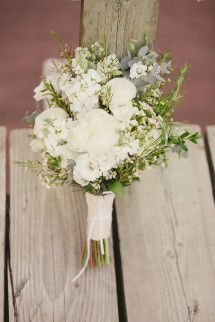 Rustic Wedding at Grouse Mountain Resort: http://www.stylemepretty.com/canada-weddings/british-columbia/vancouver/2014/03/17/rustic-wedding-at-grouse-mountain-resort/ | Photography: Stu-di-o by Jeanie