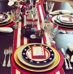 4th of July Inspired table decorations - #july4thwedding #july4thtablescape #patriotictable