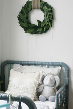 child room, beach cottages, baby beds, wall decorations, wreath