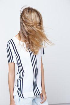 Vertical stripes.
