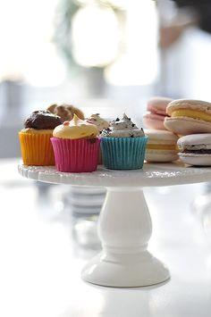 Cupcakes + Macaroons