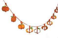 Paper Towel Pumpkin Garland - Halloween #DIY How-To!