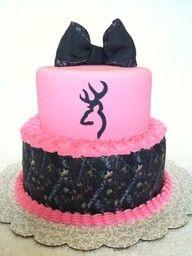 pink and camo wedding cake! <3