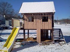 Pallet playhouse  #Hut, #Kids, #Pallets, #Playhouse