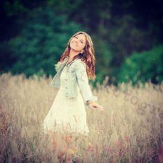 Senior picture #girl #field