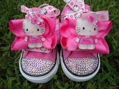 HELLO KITTY BLINGS -Swarovski crystals - Pink Converse low tops little girls, hello kitti, converse, daughter, swarovski crystals, girls shoes, hellokitti, baby shoes, hello kitty