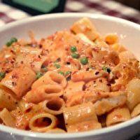 dinner, spici chicken, chicken rigatoni, food, chicken pasta, alfredo sauce, buca di, di beppo, copycat recipes