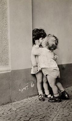 a kiss, first kiss, happy kids, happy moments, children, babi, sweet kisses, thing, photographi