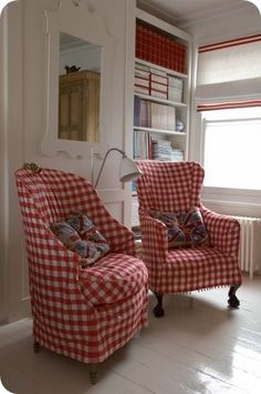 CHEERFUL BUFFALO CHECK SLIPCOVERS.