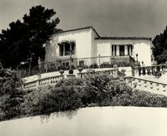 Old Hollywood: Rudolph Valentino's Falcon Lair