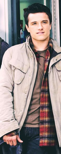 Josh... goodness I can't handle all this attractiveness....