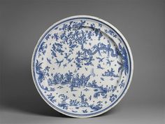 Plate made in Spain, 18th C. with military scene, faïence / Paris, musée du Louvre