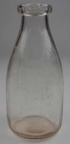 Vintage Universal Milk 1 Quart Glass Milk Jug - 8.5 Tall