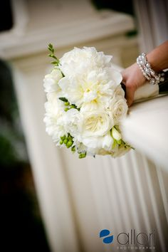 White wedding bouquet ideas