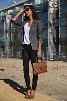 Love this outfit. Blazer, white tee, black pants and heels.