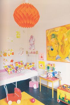 Bright #yellow splashes make any room more fun. #nursery