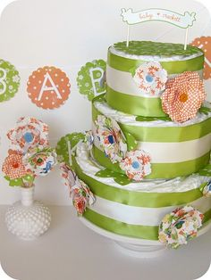 diaper cake for a baby shower. #diapercake #babyshower #babygift