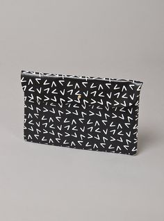 Couverture and The Garbstore - Womens - Falconwright - V Point Leather Clutch