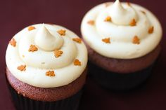 Gingerbread Cupcakes with Molasses Cream Cheese Frosting Recipe