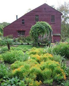 walker homestead, heirloom garden, salt box, homestead heirloom, colonial saltbox