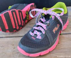 How to Make Custom Shoelaces- what a cool idea! Perfect for some easy back to school style. | AllFreeKidsCrafts.com