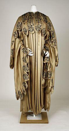 Coat      ca. 1910