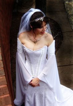 Celtic Wedding Dresses | ... Crowns, Tiaras and Dresses for your Medieval, Celtic or Elven Wedding
