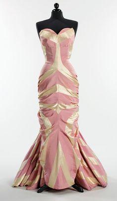 Valentine's Day glamour - Schiaparelli