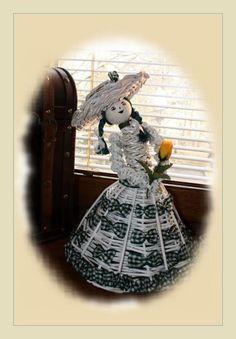 Papierowa wiklina -lalka panna w kapeluszu (46)