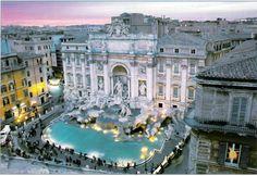 Fontana di Trevi / Rome, Italy