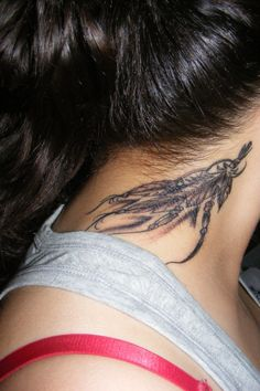 artistic small tattoos | 25 Adorable Feather Tattoos - SloDive