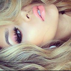 peach eye, makeup lips, pink lips, lip colors, peach lipstick
