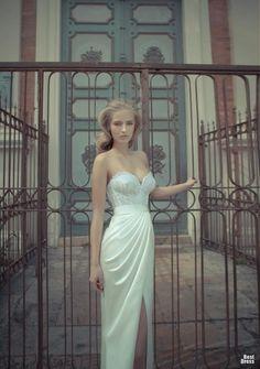 Amazing corset wedding dress!  Yaki Ravid Bridal Collection. wedding dressses, yaki ravid, bridal collection, weddings, bridesmaid, the dress, fashion accessories, couture dresses, reception dresses