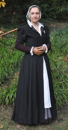 The Tudor Tailor's English fitted gown