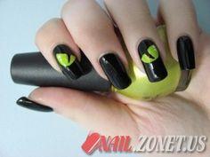 Simple Dark Nail Designs 5